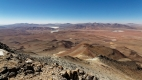 Vue au sommet du Volcan Uturuncu. On aperçoit la Laguna Celeste au premier plan