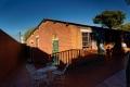 Jardin de la maison de Nelson et Winnie Mandela. Leurs ombres plannent encore...