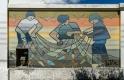 """Pêche traditionelle. Murale réalisée par Nelson en 2008. A l'époque il signait ses peintures """"La Prole"""""""