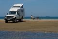 Notre premier bivouac sur la plage de Beauduc en Camargue