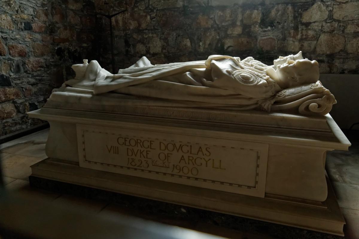 Un des tombeaux de la chapelle de l'Abbaye d'Iona